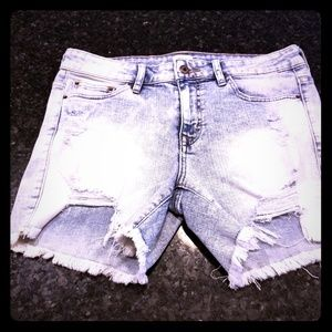 NWOT Sneak Peek Stretchy Ripped Jean Shorts
